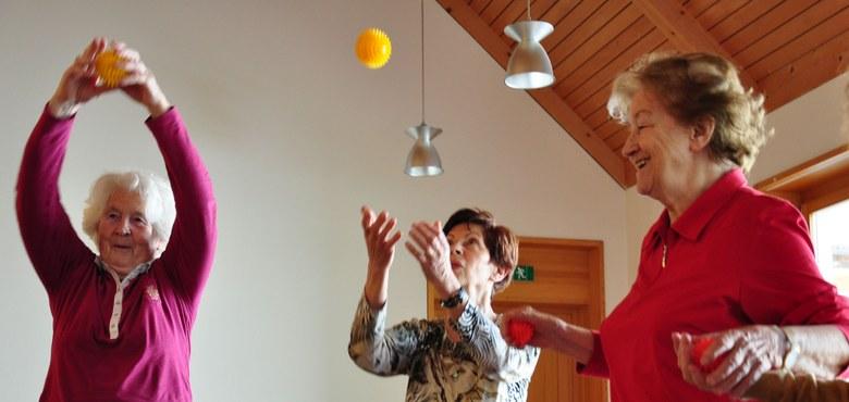 Mit Freude, Humor und Köpfchen älter werden in Lustenau am Donnerstag - ALT.JUNG.SEIN Schnuppertermin
