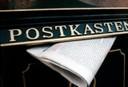 postkasten mit zeitung