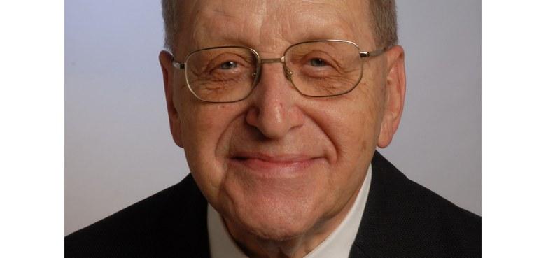Pfarrer i. R. Lorenz Dobler verstorben